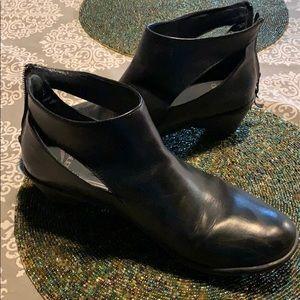 Dansko black booties size 42 w/ back zipper